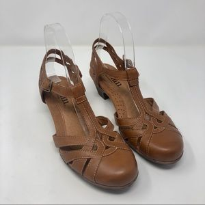 New Balance Cobb Hill Leather Strappy Heels 7 M